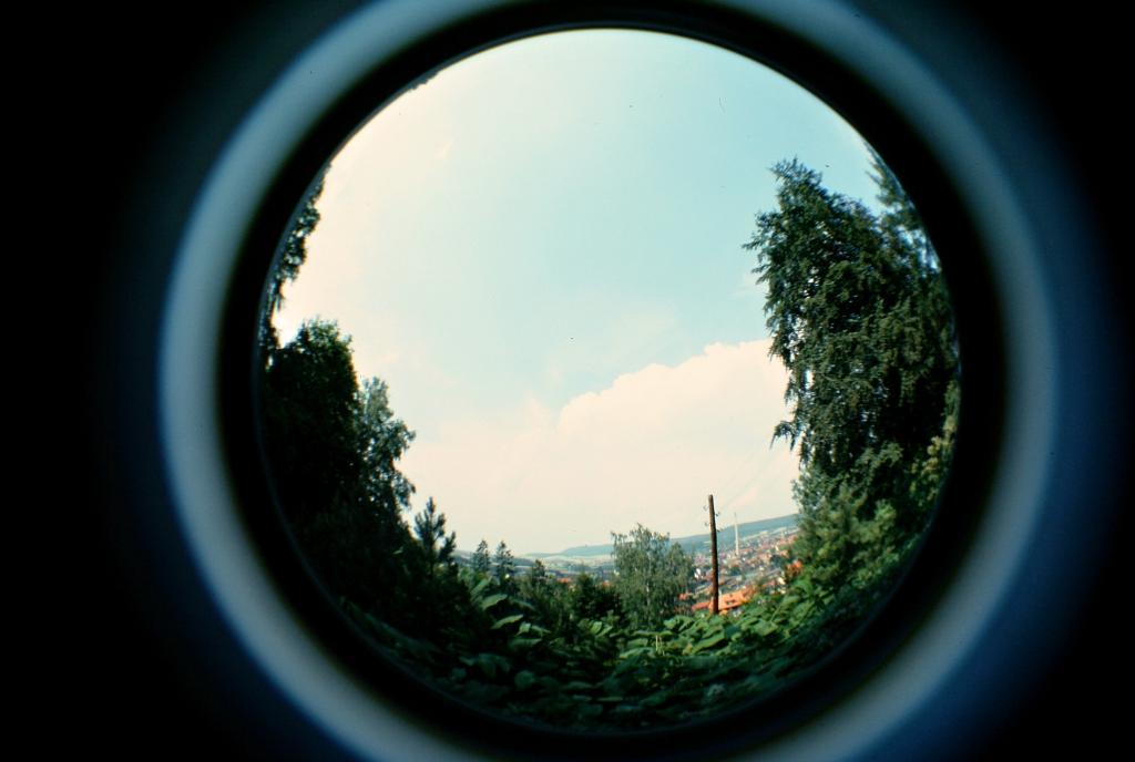 Panorama1976-07a-vomSchlehberg