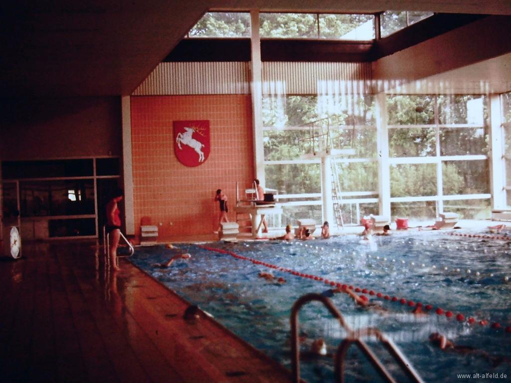 Hallenbad1980-01-Innen
