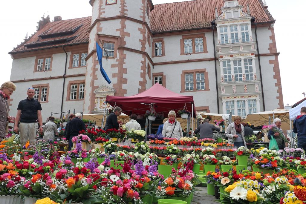 Wochenmarkt2015-05-09-77-FestderMarktleute
