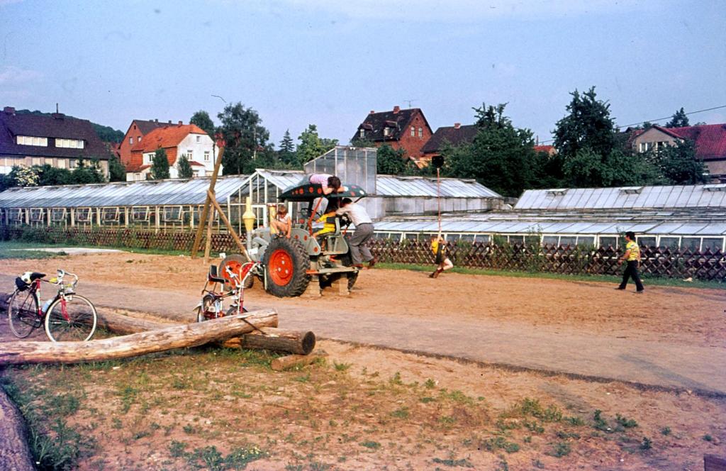Antonianger1974-02-Abenteuerspielplatz