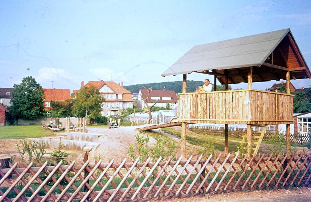 Antonianger1974-04-Abenteuerspielplatz