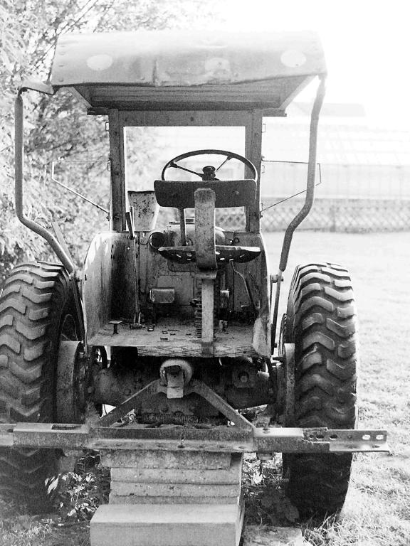 Antonianger1981-02-Abenteuerspielplatz-Trecker