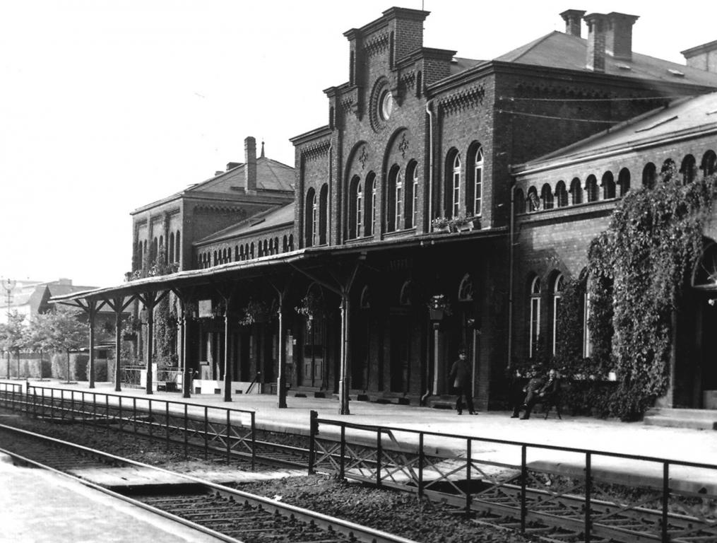 Bahnhof1920er-02buch