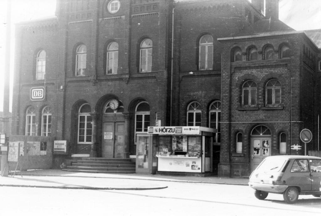Bahnhof1977-11