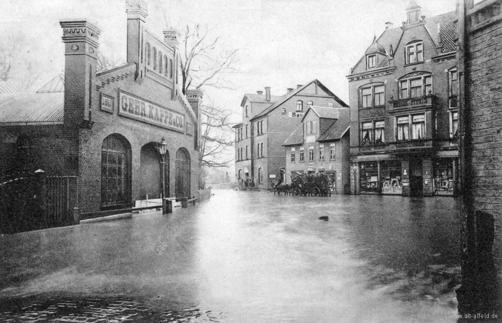 Bahnhofsplatz1909-01-Hochwasser