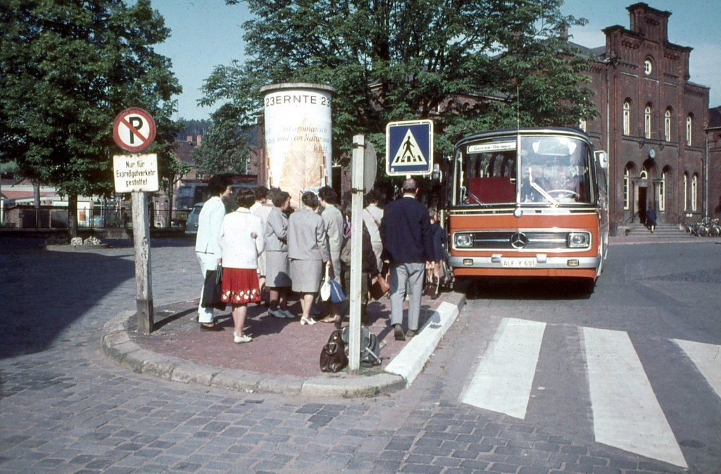 Bahnhofsplatz1960er-03