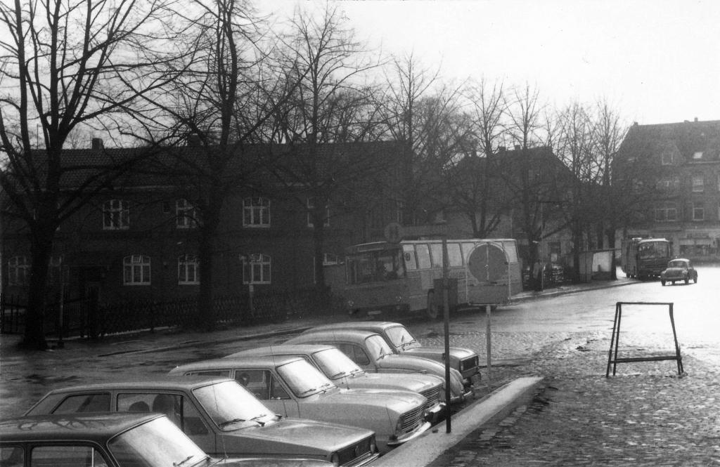 Bahnhofsplatz1978-03-14-01-Hundertmark-Thalheim