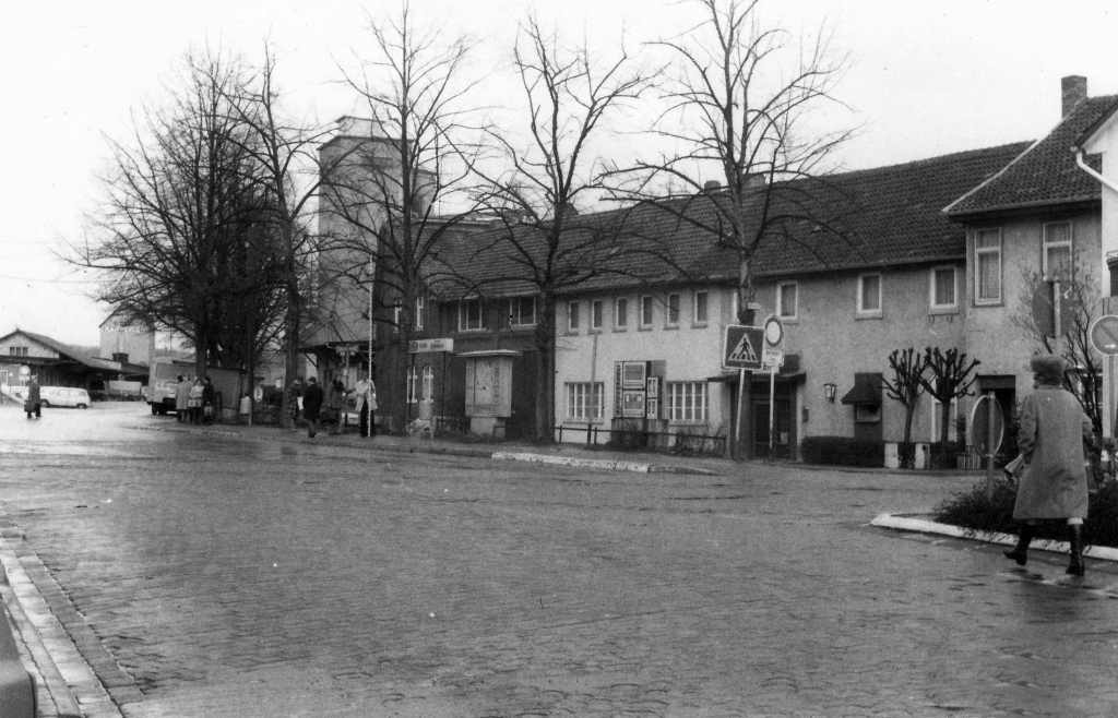 Bahnhofsplatz1978-03-14-02