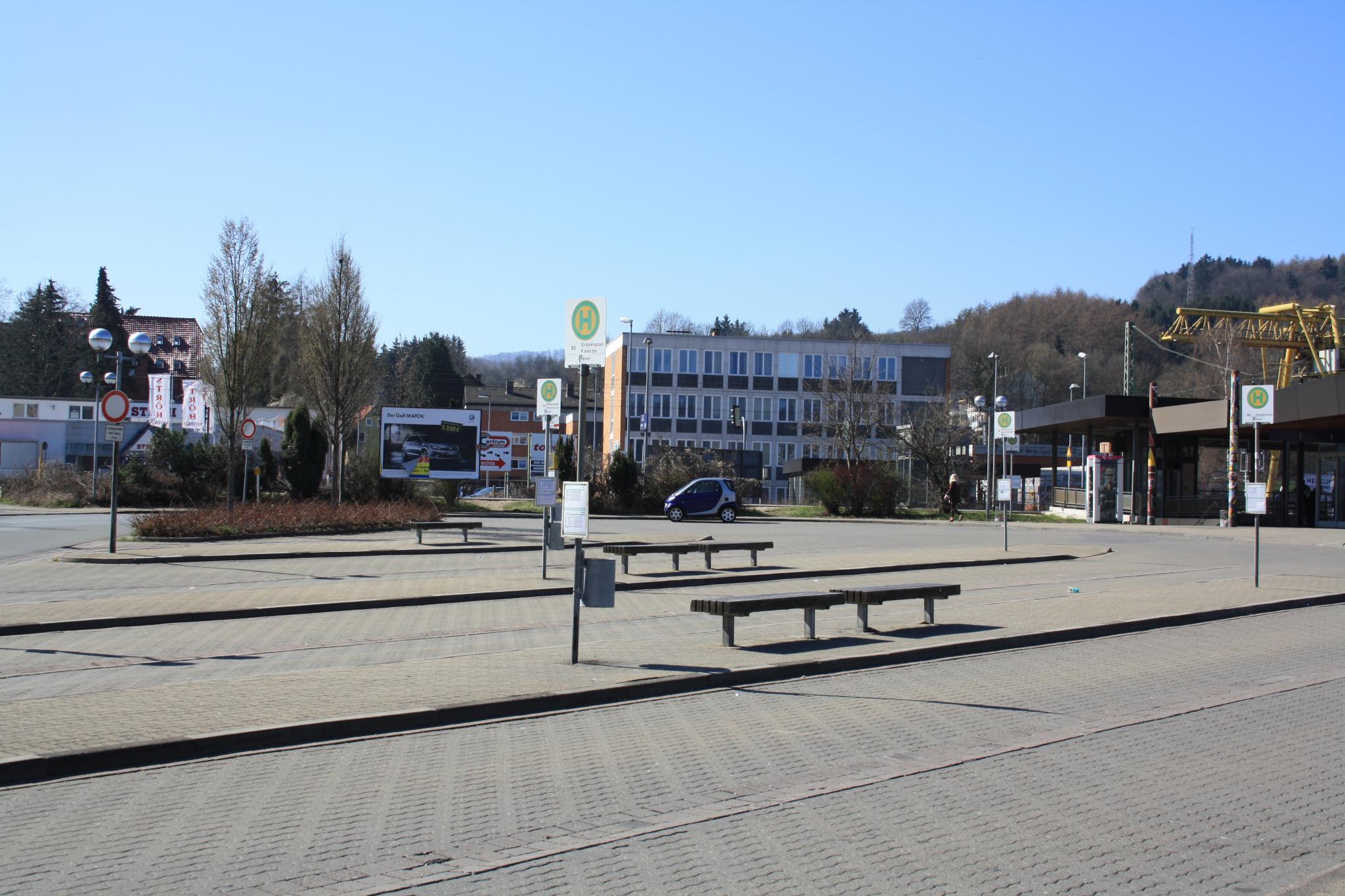 Bahnhofsplatz2012-01-Thielke