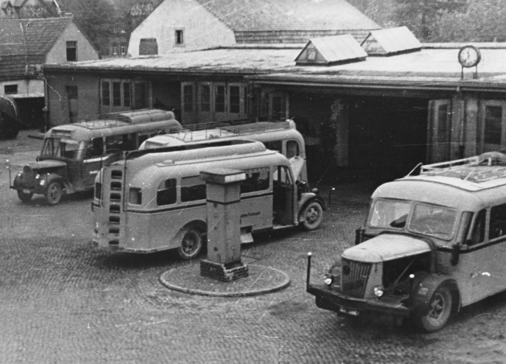 Bahnhofstr1947-01-Posthof