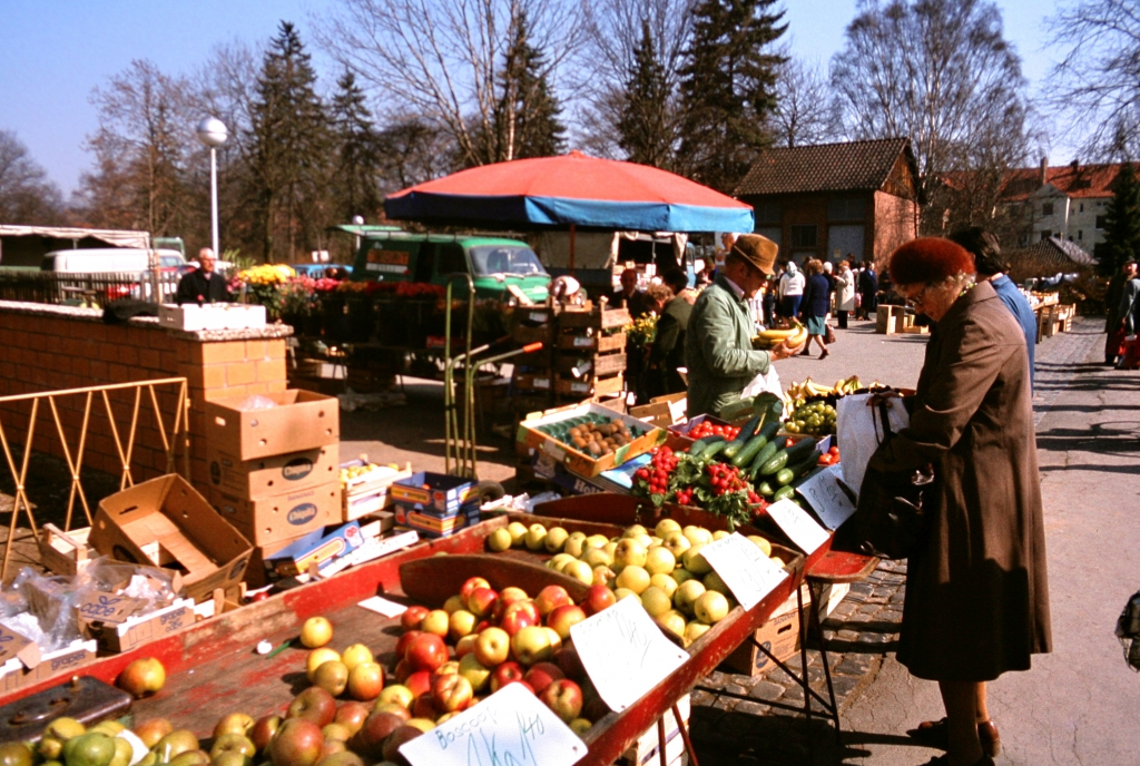 Bornstr1970er-09-Wochenmarkt