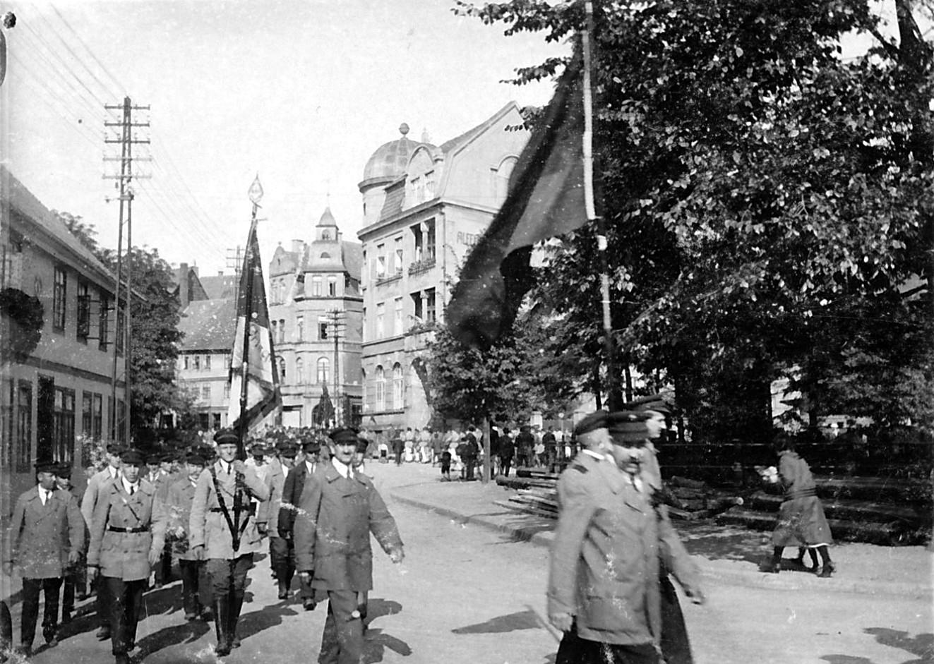 Burgfreiheit1926-01-Fahnenweihe