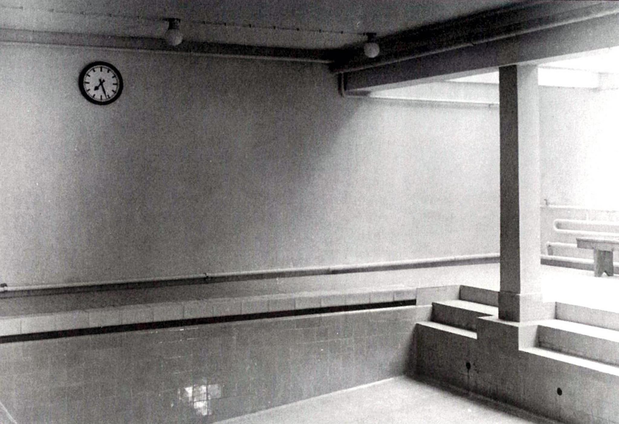 DohnserSchule1950er-03-Schwimmhalle