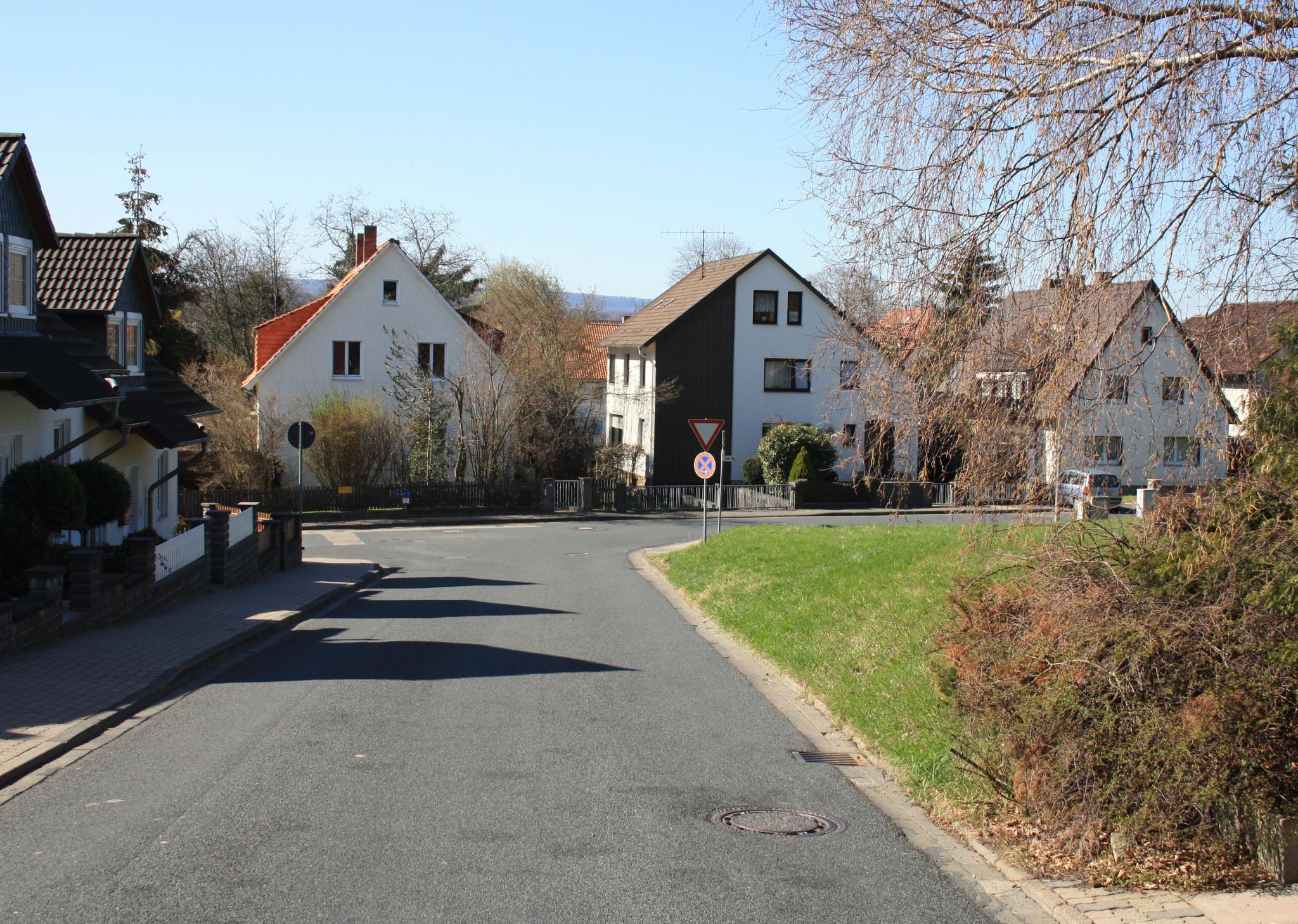 EimserWeg2012-01-LandratBeushausen-Str