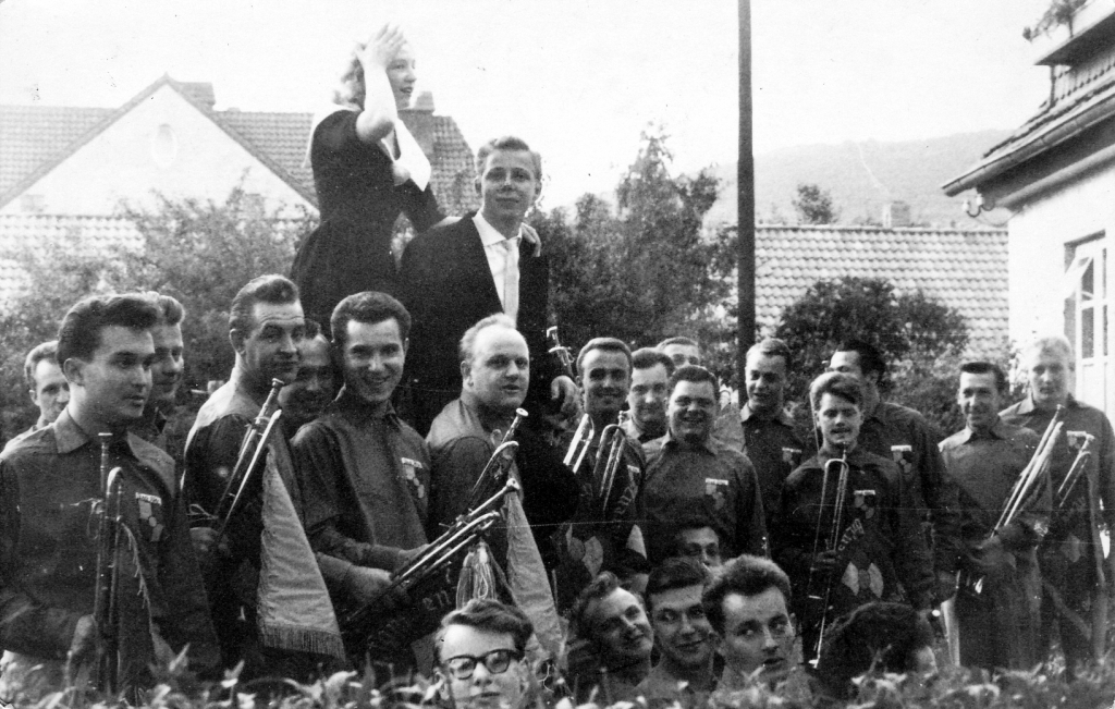 Fanfarenzug1950er-016-Polterabend_Kassierer_Jörns