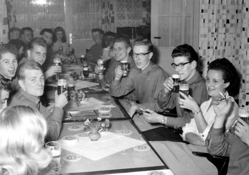 Fanfarenzug1959-01-Eiberg-Cafe
