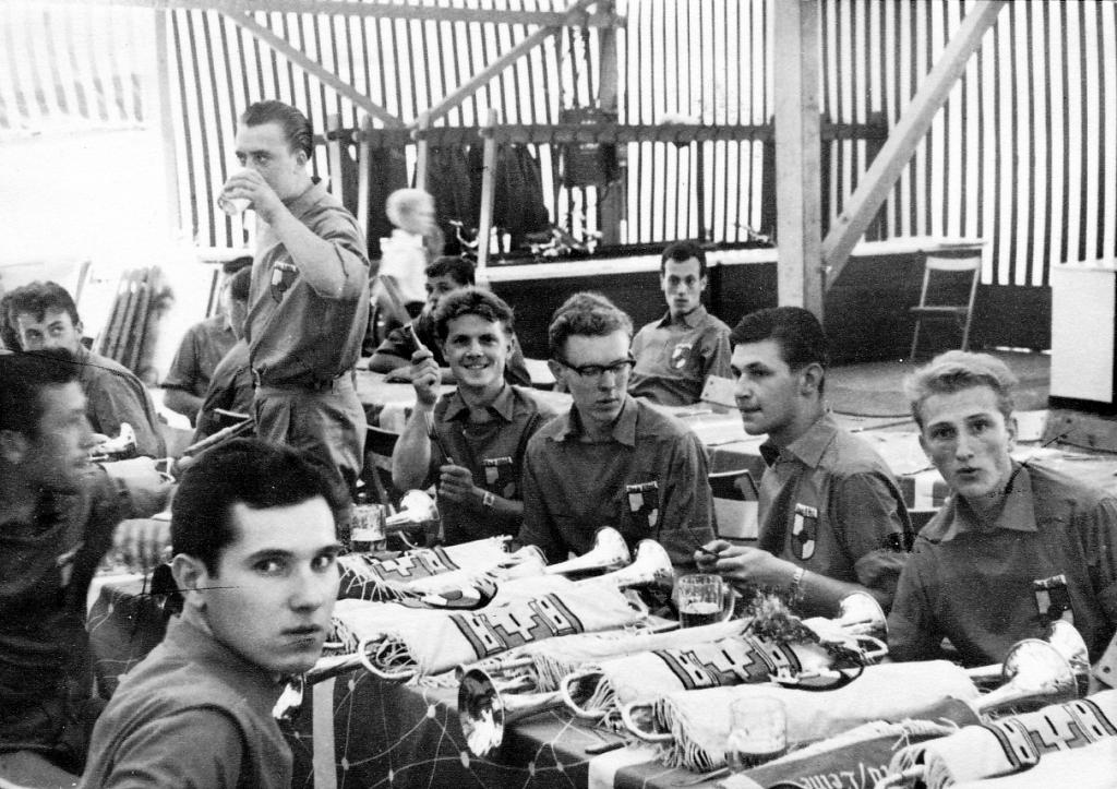 Fanfarenzug1959-06-Ausmarsch