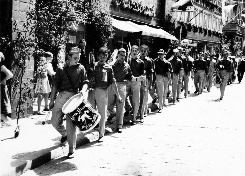 Freischießen1958-50-MontagRückehrKaterfrühstück