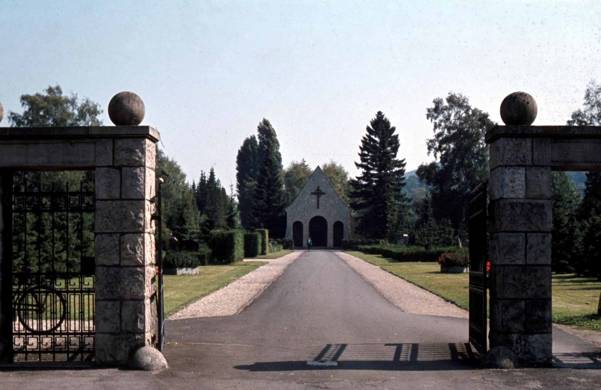 Friedhof1974-01-Haupteingang