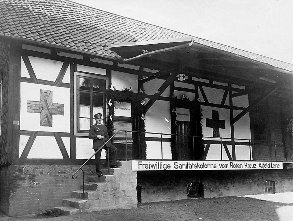 GöttingerStr1920er-03-DRK-Sanitätskolonne