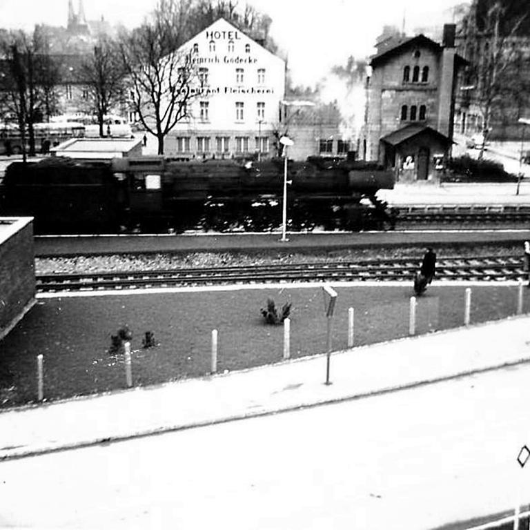 GöttingerStr1964-03-HannoverscheStr-neueVerkehrsführung