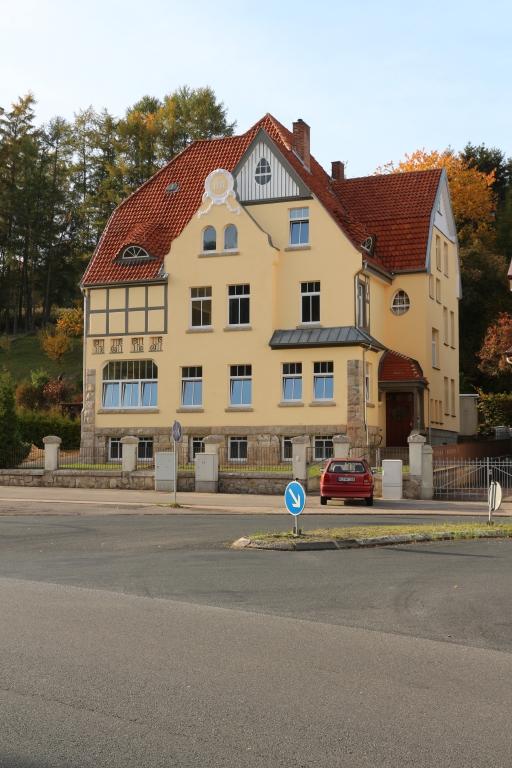 GöttingerStr2012-05-Storchennest