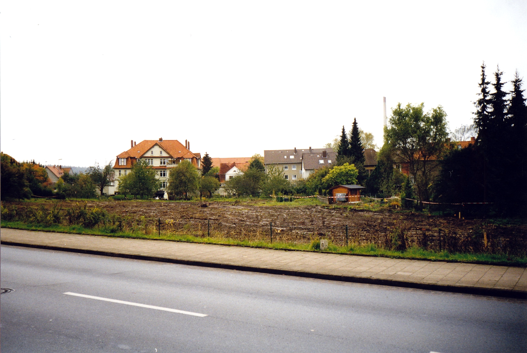 Gropiusring1998-01-Bauplatz-Reihenhaussiedlung