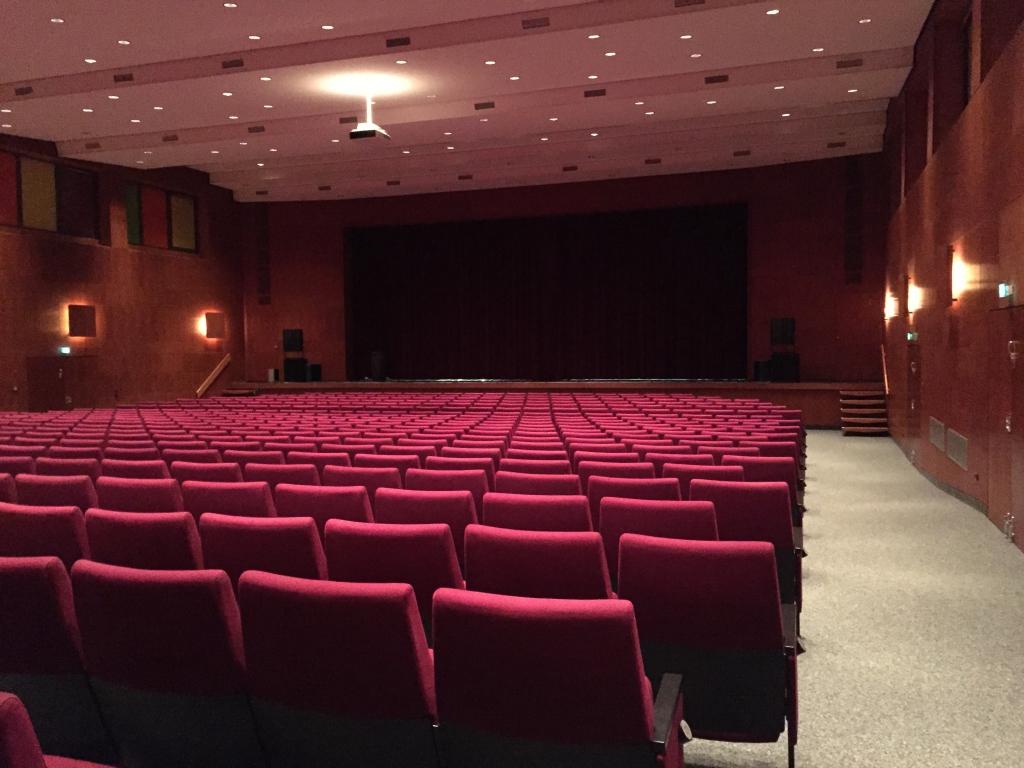 Gymnasium2015-25-Aula-1