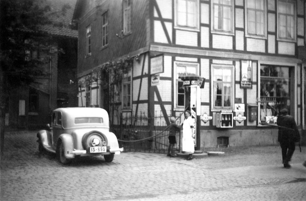 HannoverscheStr1936-01-Nr.4-KaufhausDesWestens-vonSoest