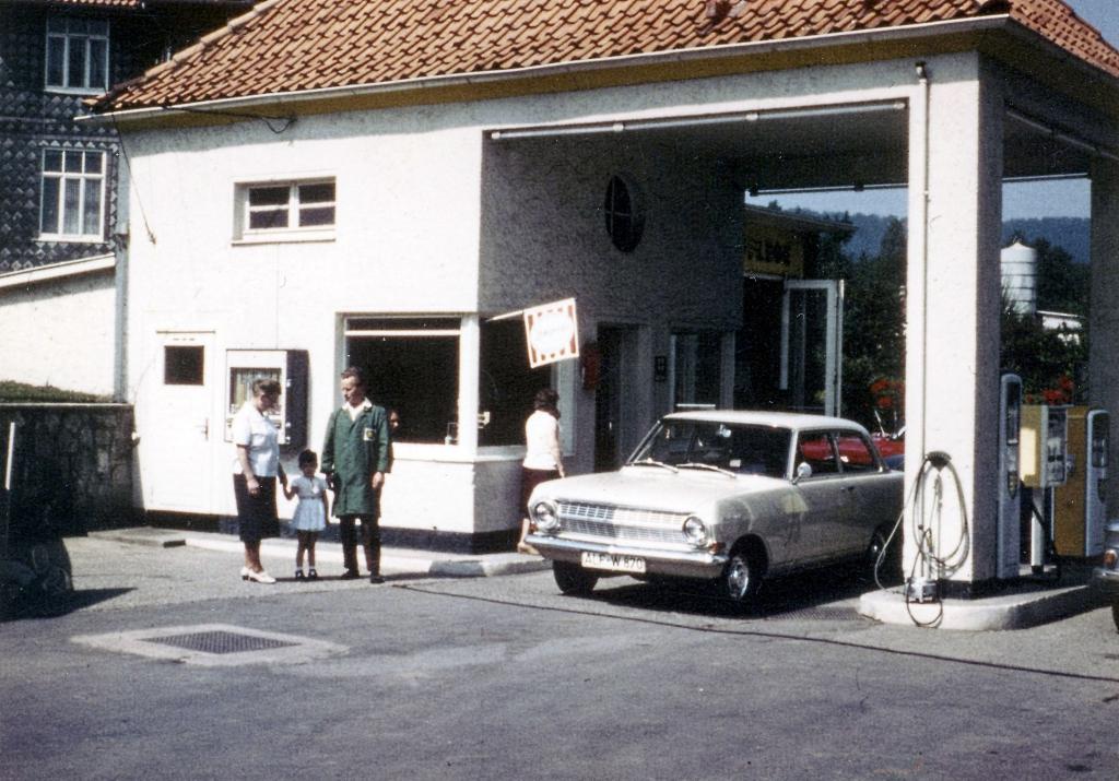 HannoverscheStr1968-01-TankstelleVorlop