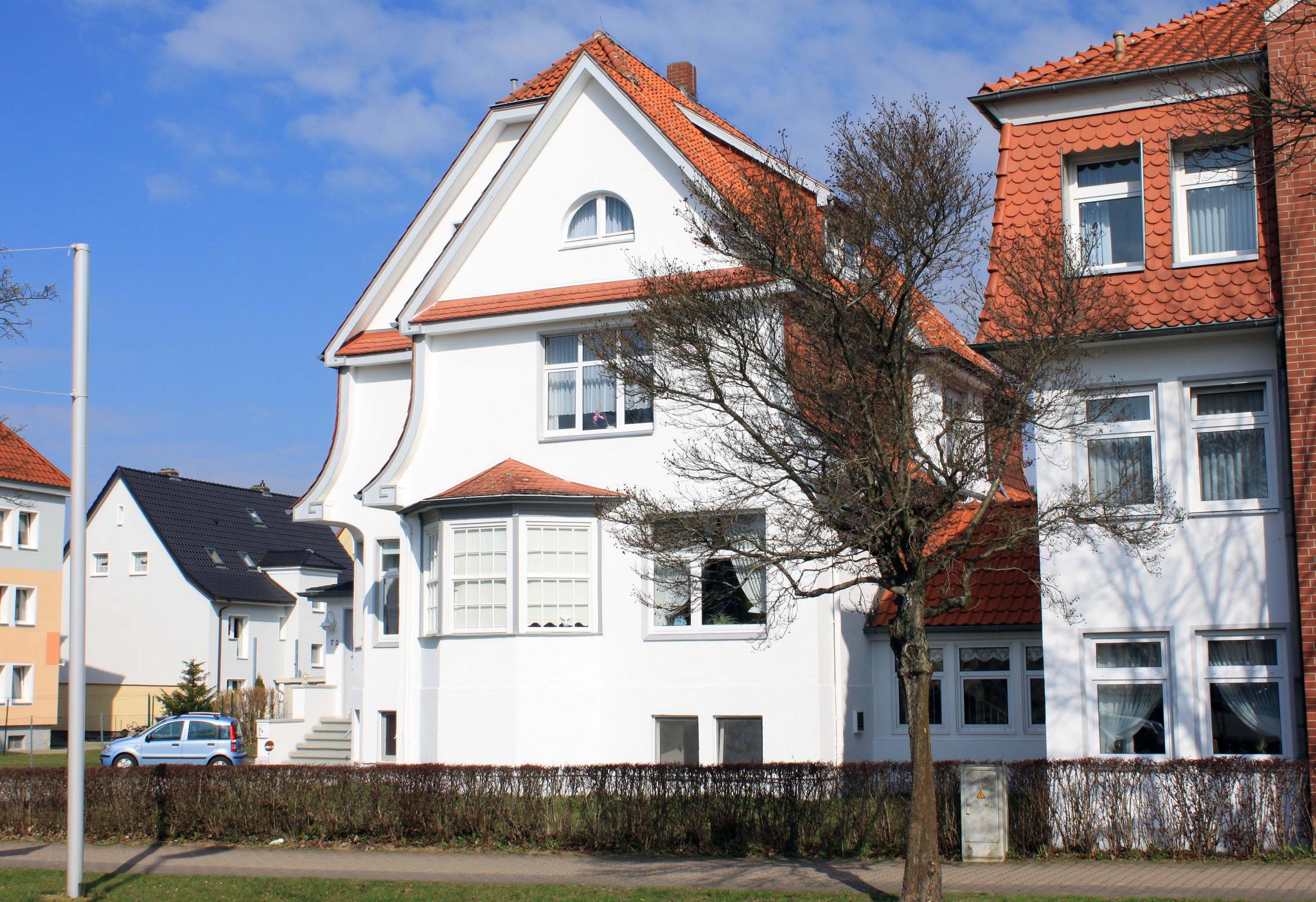 HildesheimerStr2011er-03-VillaAmtsgerichtsratCaspar_späterSommer