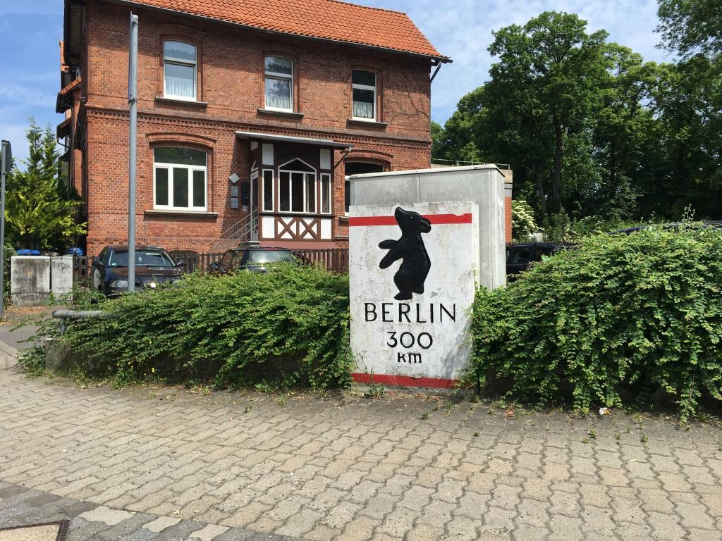 HildesheimerStr2016-06-BerlinerStein