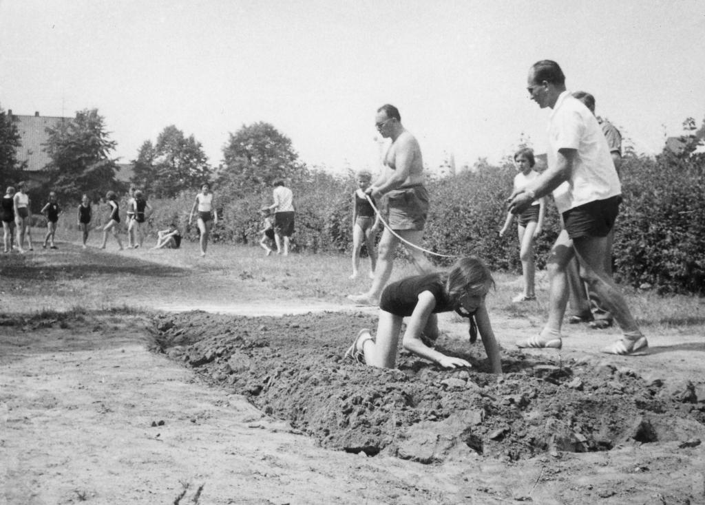 Hindenburgstadion1964-03-Kindersportfest