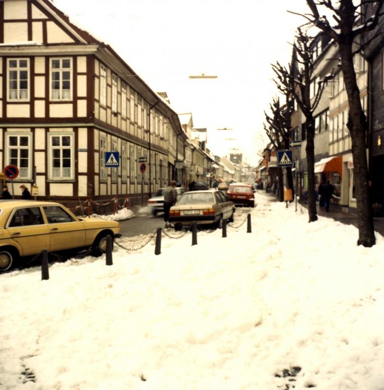 HolzerStr1988-01-Winter