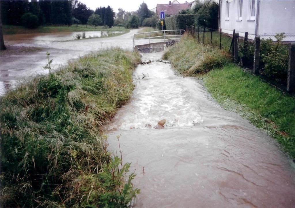 ImWambeck2002-02-Regenrückhaltebecken