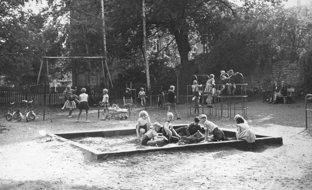 Kalandstr1962-01-Spielplatz