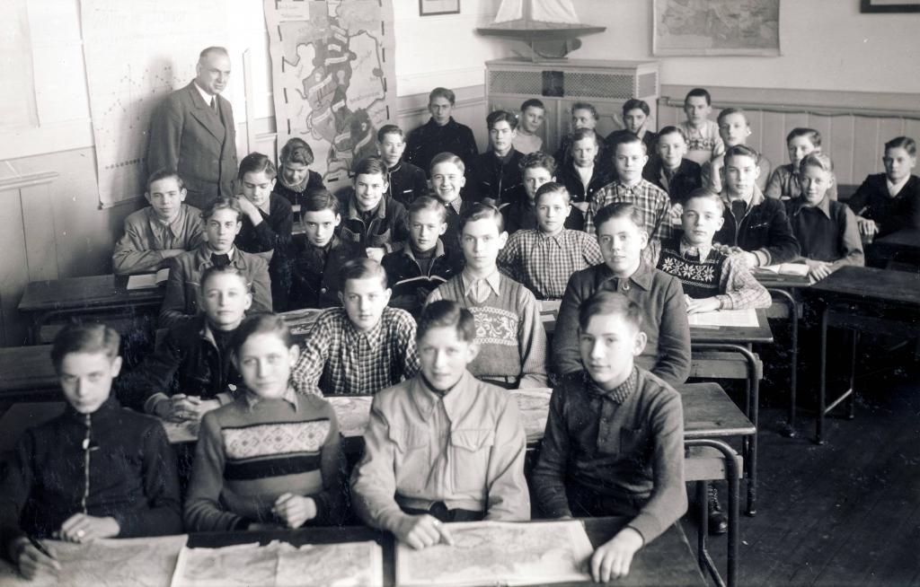 Klassenfoto-Schütz-Quintel1951-RoteSchule-2