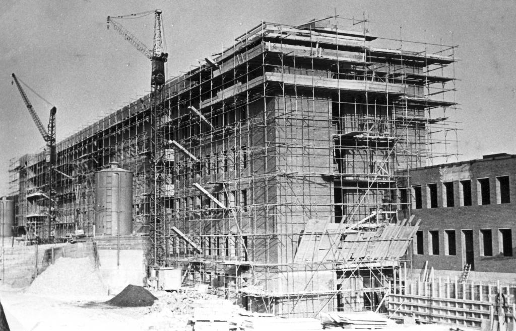 Krankenhaus1962-02-Bau
