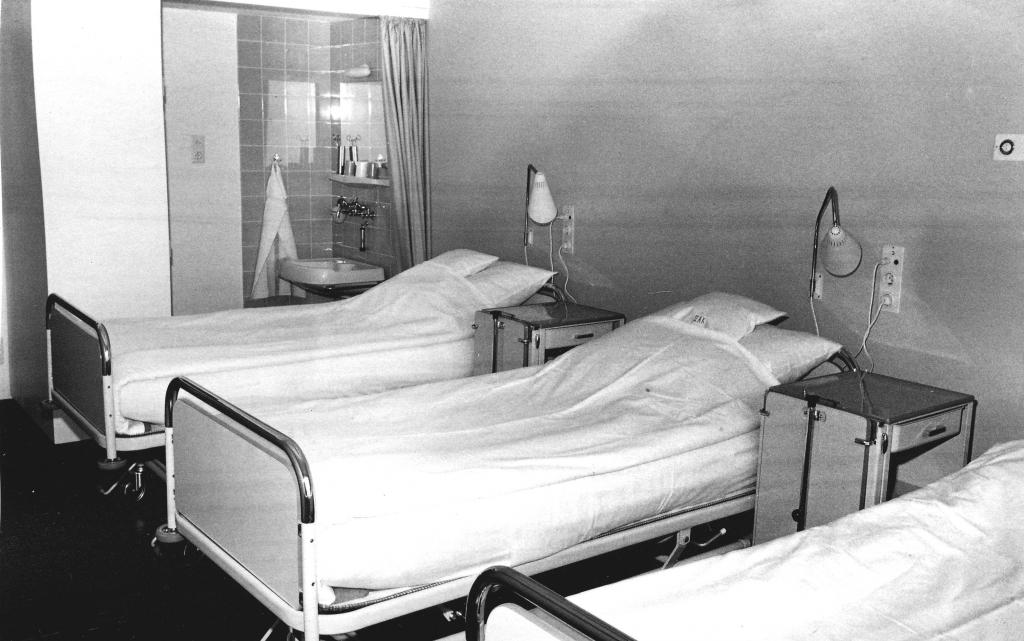 Krankenhaus1964-08-Innenansicht