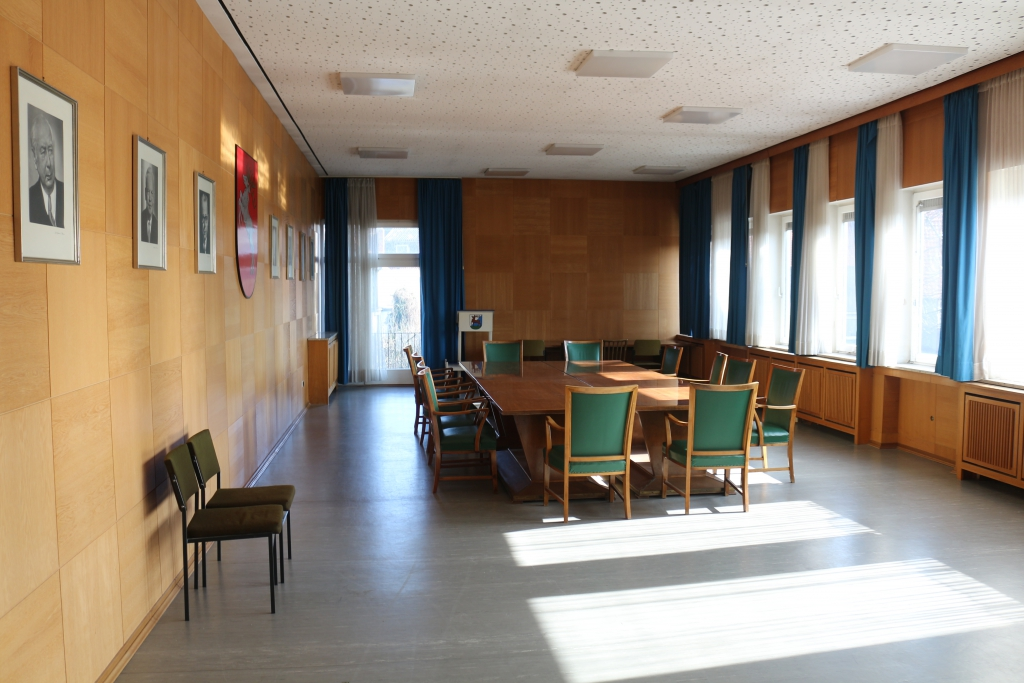 Landratsamt2015-04-Sitzungssaal