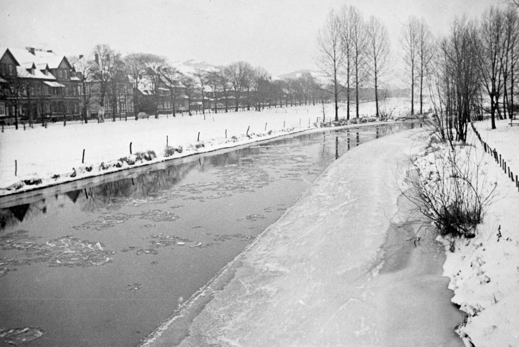 Leine1963-09-zugefroren