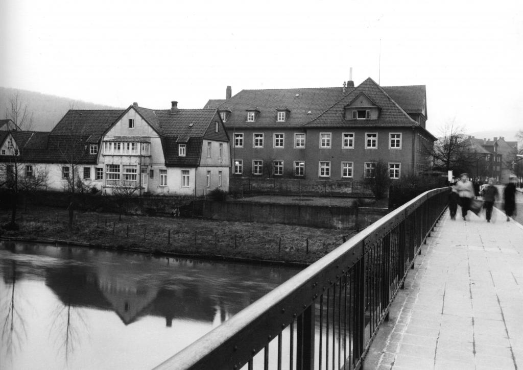 Leinebrücke1950er-06-Brückenapotheke