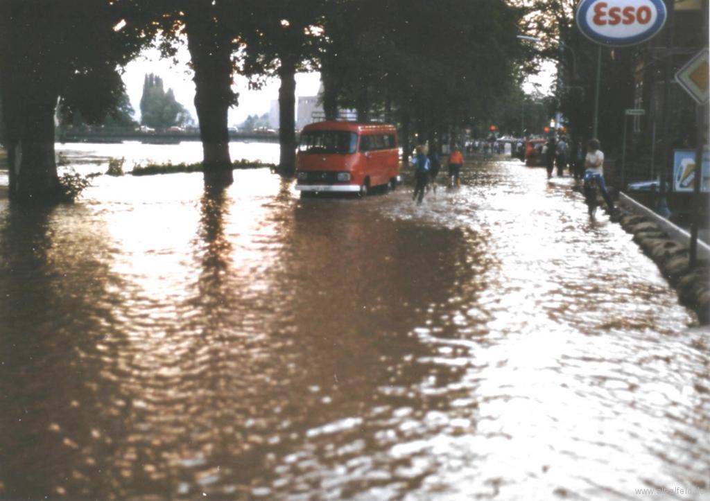 Leinehochwasser1981-04