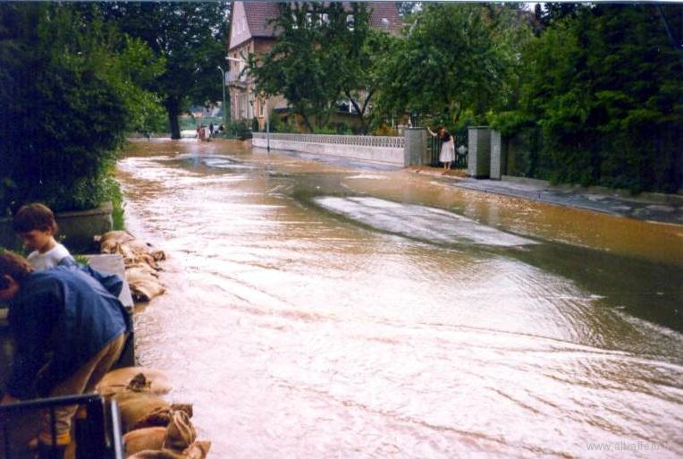 Leinehochwasser1981-20-Brunnenweg