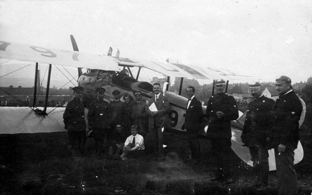 Leinewiesen1927-01-Feuerwehrfest-Flugtag