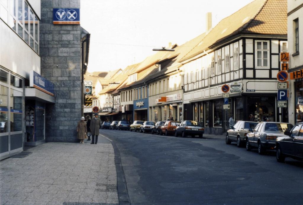 Leinstr1987-11
