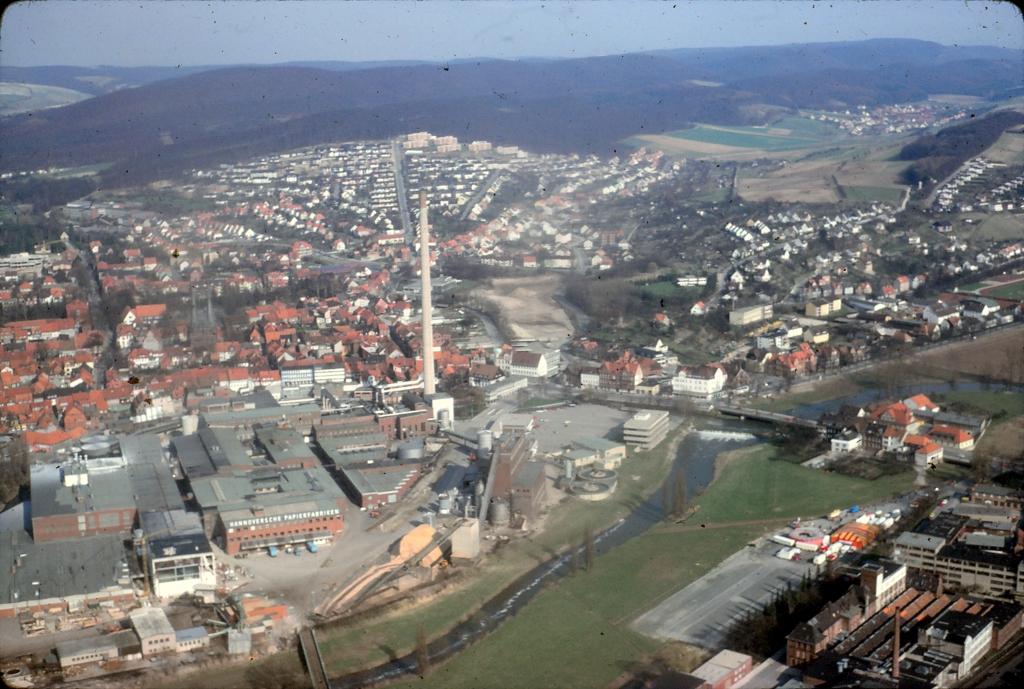 Luftbild1980-03-Papierfabrik
