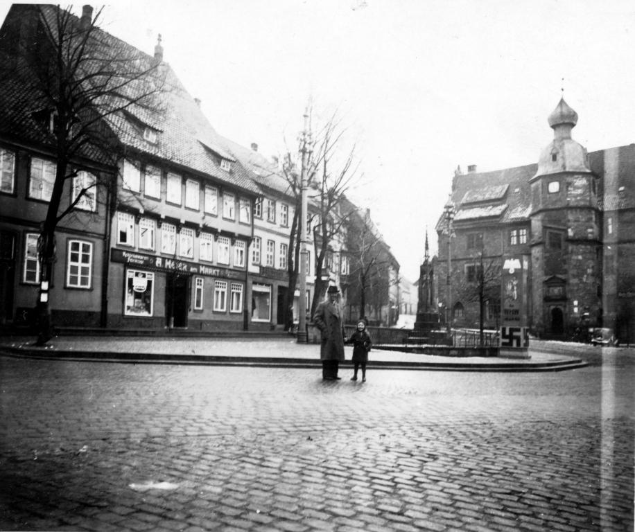 Marktplatz1930er-05-Winterhilfswerk
