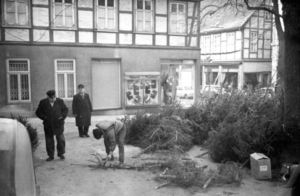 Marktplatz1963-02-WhnBaumVerkauf