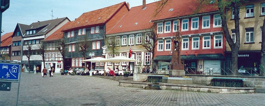 Marktplatz1990er-14-Breitbild
